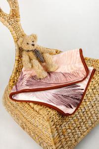 Dětská deka z mikrovlákna SLEEP WELL s potiskem - PEŘÍ MAHAGON